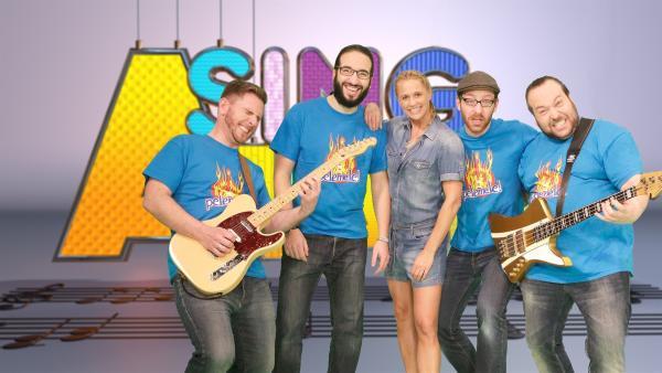 Singa und die Studiogäste von der Band Pelemele | Rechte: ZDF/Rico Rossival
