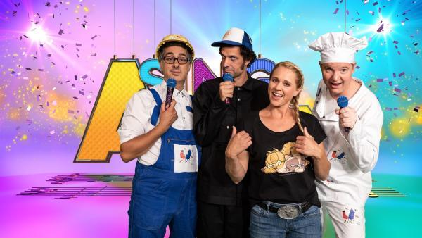Moderatorin Singa mit ihren Studiogästen Baked Beans. | Rechte: ZDF/MES GmbH Wiesbaden