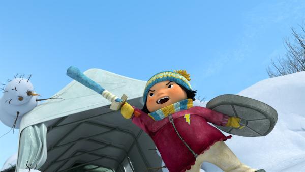 Kiki ruft die Freunde ins nächste Level des nachgespielten Videogames.  | Rechte: KiKA/carpediem Film & TV Inc.