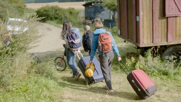 Tag des Abschieds - die Matilda, Ha Chau und Käthe verlassen das Camp. | Rechte: MDR/Cine Impuls Leipzig
