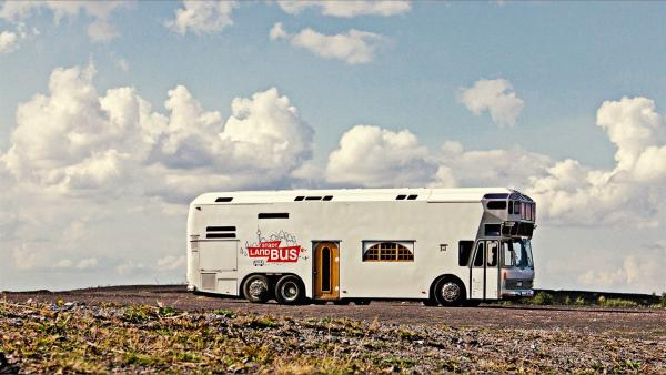 Der Stadt-Land-Bus. | Rechte: ZDF/André Conrads