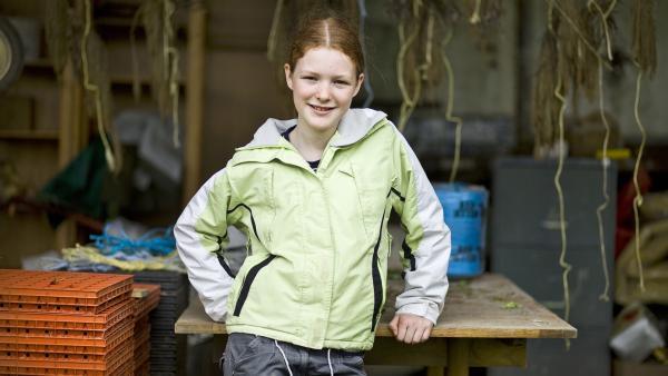 Bis vor ein paar Monaten hat die 11jährige Leontien mitten in Dublin gelebt, dann ist sie mit ihren Eltern nach Cloughjordan gezogen, in ein kleines Ökodorf weit weg auf dem Land. | Rechte: ZDF/EBU/RTE/Conor Buckley