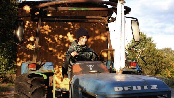 Olmo auf dem Traktor | Rechte: ZDF/EBU
