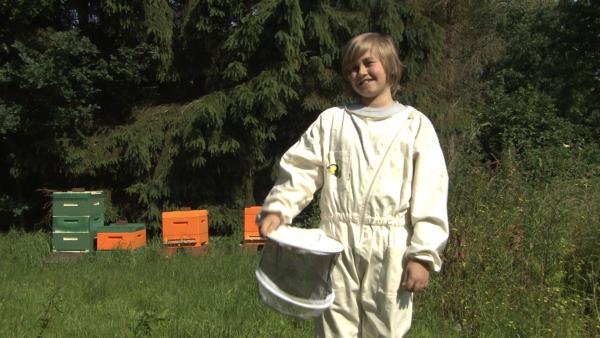 Moritz ist zertifizierter Imker. | Rechte: ZDF/EBU