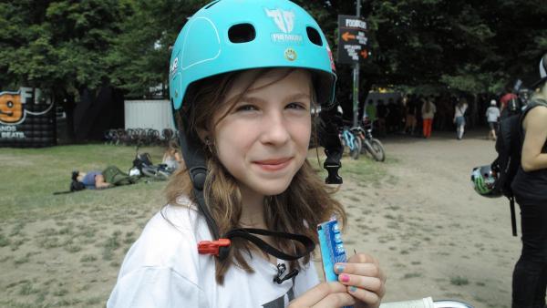 Luzie (11 Jahre) hat sehr viele Hobbies, doch BMX ist ihre große Leidenschaft. | Rechte: ZDF/Turner Broadcasting System
