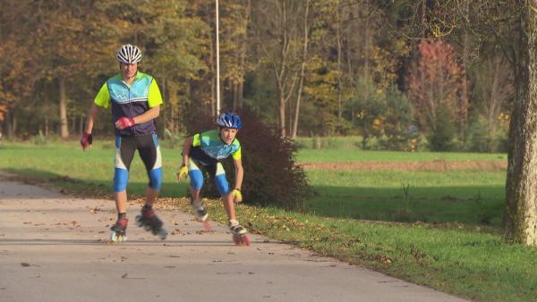 Inlineskaten ist für Anze das Größte. Zur Zeit bereitet er sich auf einen Halbmarathon im Speed-Skaten vor. | Rechte: ZDF/EBU/RTVSLO Slowenien