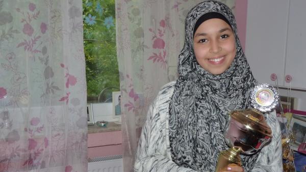 Nouhaila liebt ihr Hobby: Das Boxen. Bei der letzten Deutschen Meisterschaft hat sie es zur Vizemeisterin in ihrer Gewichtsklasse gebracht. | Rechte: ZDF