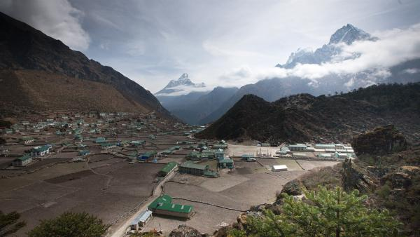 Tserings Heimat - das kleine Dorf Khumjung. | Rechte: ZDF/Florian Foest