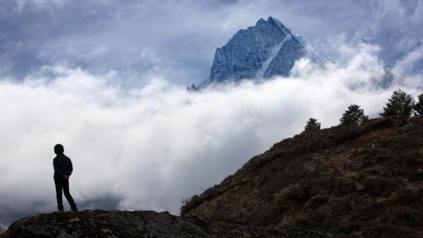 Tsering träumt davon, eines Tages den Mount Everest zu besteigen. | Rechte: ZDF/Florian Foest