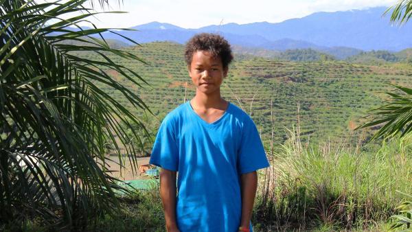 Akee lebt in Malaysia, sein Zuhause ist ein kleines Dorf mitten im Dschungel.   Rechte: ZDF/Katja Engelhardt