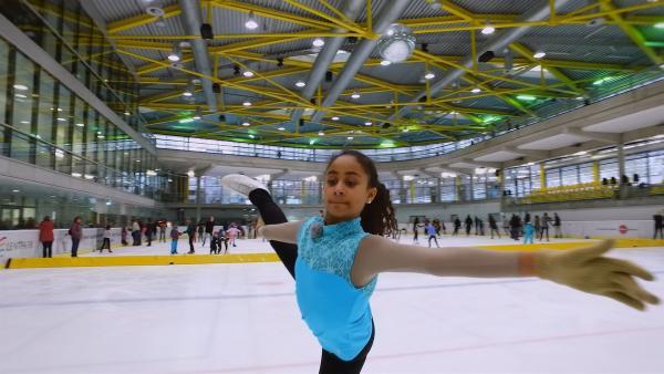 Mekdelawit möchte einmal eine berühmte Eiskunstläuferin werden. | Rechte: ZDF/Florian Lipp