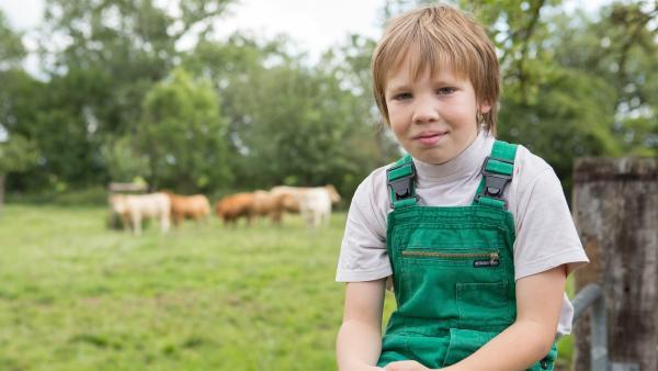 Justus wächst auf dem Gut Giffelsberg auf, einem großen Bauernhof. | Rechte: ZDF / Ingo Hattendorf
