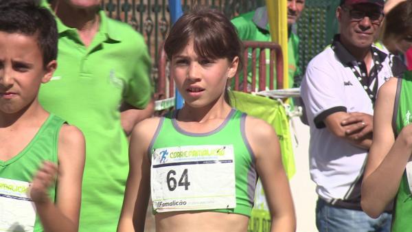 Ana Beatriz am Start eines Wettkampfs. Sie ist eine tolle Läuferin und das nutzt sie im Kampf gegen den Krebs. | Rechte: ZDF/Sergio Dias