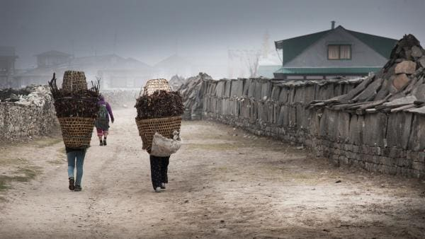Dorfleben in Khumjung, der Heimat von Tsering. | Rechte: ZDF/Florian Foest
