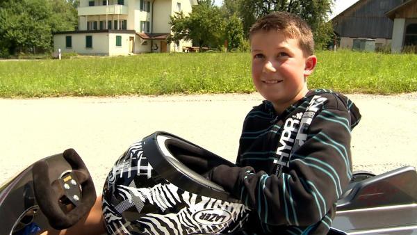 Der elfjährige Dominik aus der Schweiz ist leidenschaftlicher Seifenkistenfahrer. | Rechte: ZDF/Ilona Stämpfli