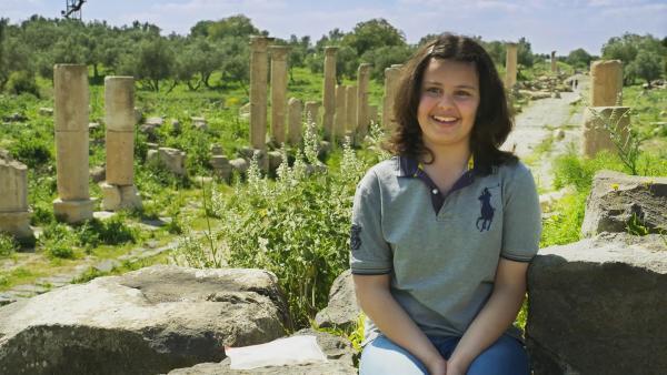 Kindah ist stolz auf die lange Geschichte ihres Landes und besucht die Ausgrabungsstätten oft. | Rechte: ZDF/Claudia Garrido
