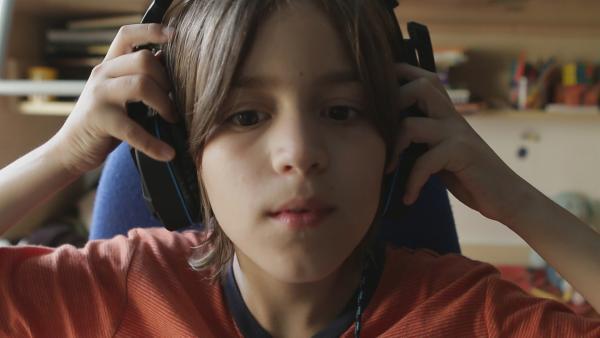 Toma hofft, mit seinen Videos 100.000 Abonnenten zu kriegen. | Rechte: ZDF/Djuro Gavran