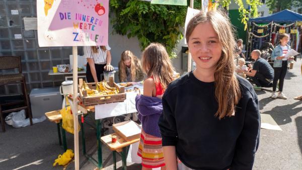 Ada möchte darauf aufmerksam machen, dass wir zu viele Lebensmittel achtlos in den Müll werfen. | Rechte: ZDF/Florian Lippke