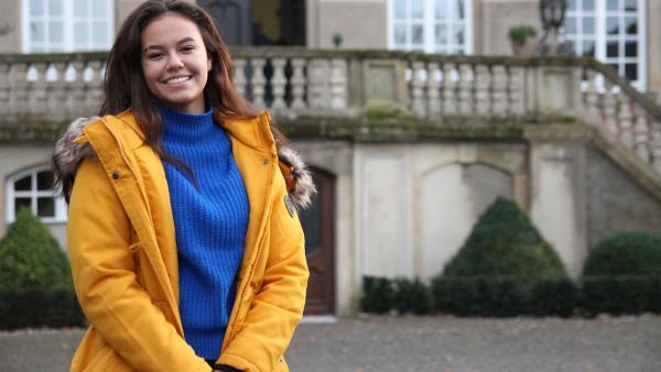 Michelle freut sich auf das Leben im Internat und ihrem neuen zuhause. | Rechte: ZDF/Maximilian Damm