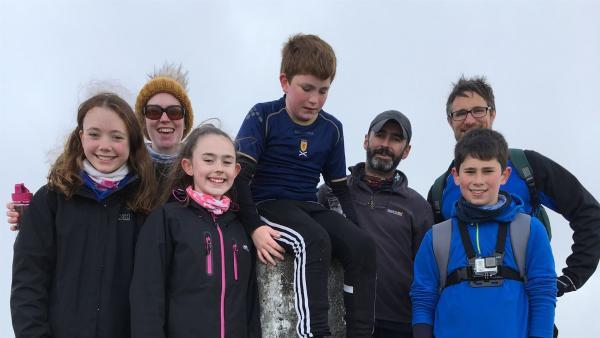 Lachlan hat sich viel vorgenommen. Mit seiner Jugendgruppe will er die Schottischen Berge erklettern, einen nach dem anderen, bis sie zusammen die Höhe des Mount Everest erreicht haben. | Rechte: ZDF/Alasdair R MacLean