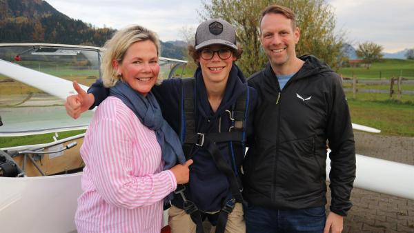 """Marius stammt aus einer flugbegeisterten Familie. Seine Mama arbeitet als Stewardess und sein Papa liebt Gleitschirmfliegen.   Rechte: ZDF/Felix Fleischhauer/Heiko Heltorff"""""""