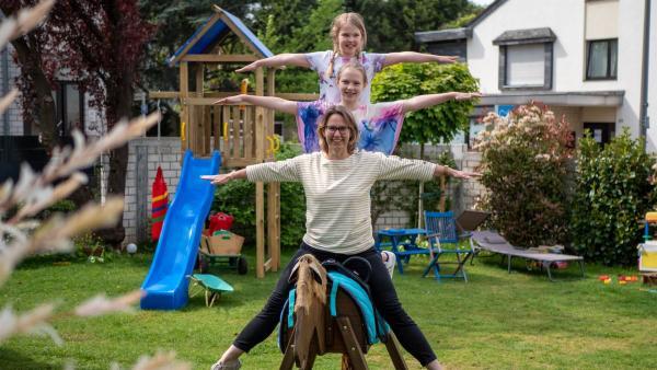 Lenya lebt mit ihrer Mutter und ihrer kleinen Schwester zusammen. Die Eltern sind getrennt. Oft kommt es zu Kommunikationsproblemen. Lenya findet: es wird einfach zu wenig geredet. | Rechte: ZDF/Florian Lippke