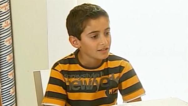 George hat sich ein Ziel gesetzt. Doch vorher muss er beim Direktor des Krankenhauses um Erlaubnis fragen. Und er braucht Geld für die Farben. | Rechte: ZDF/EBU