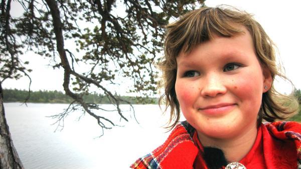 Irina ist 12 Jahre alt und wird bei einem Rockfestival in Lappland auftreten, gemeinsam mit Rockidol Tiina Sanila, einer bekannten Sängerin in Finnland und ihrer Band.   Rechte: ZDF/EBU
