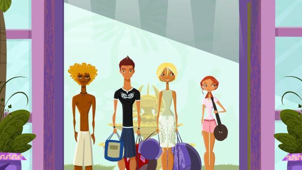 Die Neuankömmlinge Broseph, Reef, Fin und Emma (v.li.n.re.) erreichen endlich ihre neue Arbeitsstätte: das Surfer's Paradise Resort und Spa. | Rechte: KiKA/Fresh TV/Cake Entertainment