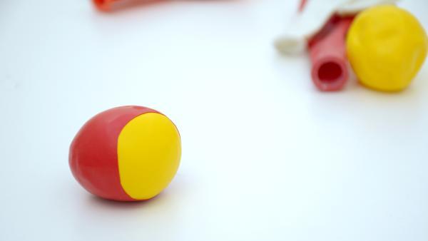 fertiger Jonglierball | Rechte: KiKA
