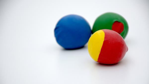 Jonglierbälle | Rechte: KiKA