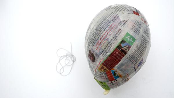 fertig beklebter Lutfballon | Rechte: KiKA