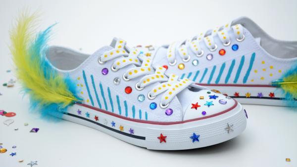 fertig aufgehübschte Schuhe | Rechte: KiKA