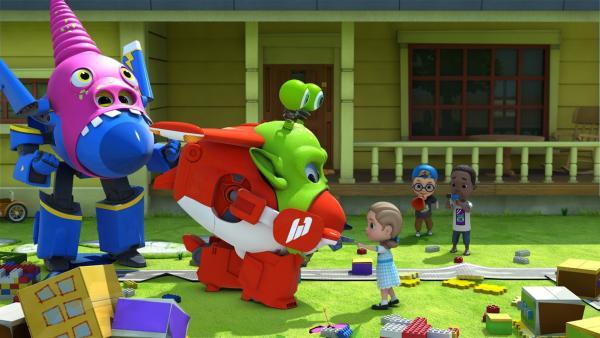 Jerome und Jett spielen Monster, die gerne Freunde wie Victoria finden.   Rechte: KiKA/FunnyFlux/QianQi/EBS/CJ E&M