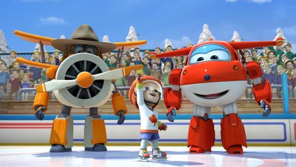 Onkel Albert und Jett feiern mit Drew den Sieg des Hockeyteams.   Rechte: KiKA/FunnyFlux/QianQi/EBS/CJ E&M