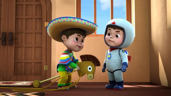Tomas und Manuel freuen sich auf ihre bestellten Pakete. | Rechte: KiKA/FunnyFlux/QianQi/EBS/CJ E&M