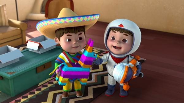 Die beiden haben sich jeder eine Piñata gewünscht. | Rechte: KiKA/FunnyFlux/QianQi/EBS/CJ E&M