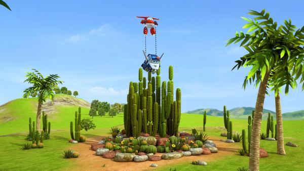 Jett und Paul retten die zweite Piñata aus dem Kakteengarten. | Rechte: KiKA/FunnyFlux/QianQi/EBS/CJ E&M