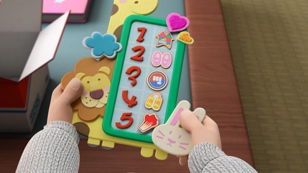 Der Zeitplaner hilft ihr, ihre vielen Hobbies zu organisieren. | Rechte: KiKA/FunnyFlux/QianQi/EBS/CJ E&M