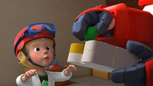 Noah erklärt Jett die Steuerung seines Dinosauriers. | Rechte: KiKA/FunnyFlux/QianQi/EBS/CJ E&M