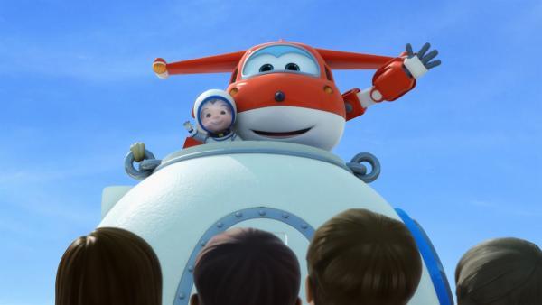 Jett und Yun sind wieder auf der Erde gelandet.   Rechte: KiKA/FunnyFlux/QianQi/EBS/CJ E&M