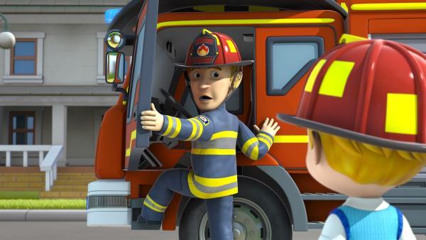 Lukas' Vater ist Feuerwehrmann und wird zu einem Einsatz gerufen. | Rechte: KiKA/FunnyFlux/QianQi/EBS/CJ E&M