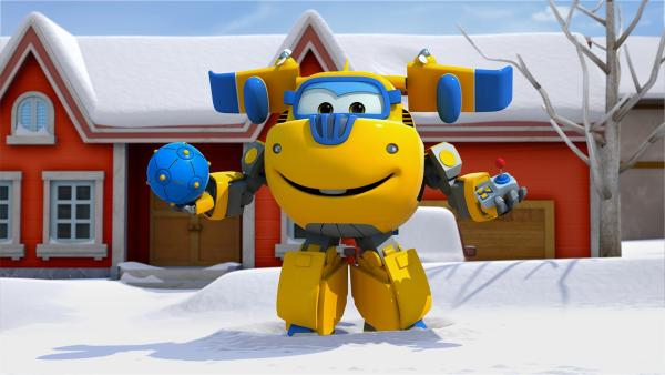 Donnie kommt mit seinem Kugel-Roller zu Hilfe, um die rollenden Riesenschneekugeln aufzuhalten. | Rechte: KiKA/FunnyFlux/QianQi/EBS/CJ E&M