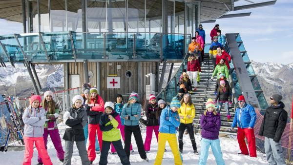 Gegen die Kälte hilft nur Bewegung und so tanzt der TanzTapir arglos drauflos. | Rechte: KiKA/MingaMedia