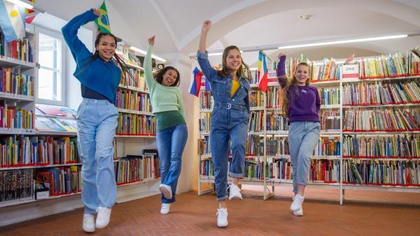 """Die TA Kids tanzen sich frei mit ihrem neuen Song """"Frei sein""""   Rechte: KiKA/MingaMedia/Ron Bergmann"""