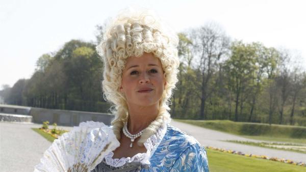 Singa als Königin | Rechte: KiKA/ZDF/Ilona Kolar