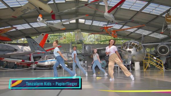Papierflieger | Rechte: KiKA