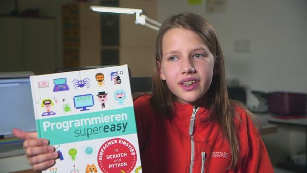 Für Kyra ist Programmieren super easy. | Rechte: KiKA