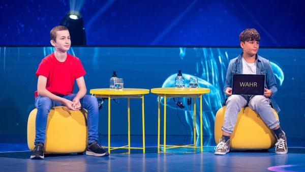 Colin und Dian sind sich sicher, dass ihre Antwort stimmt. | Rechte: ZDF/Sascha Baumann