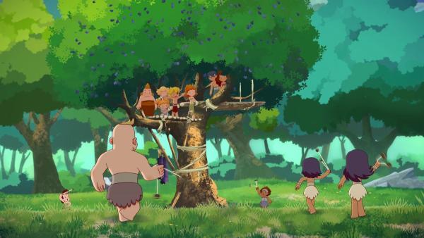 Plötzlich greifen die Bären an, sie beanspruchen den Baum für sich.     Rechte: KiKA/hr/TF1/GO-N Productions